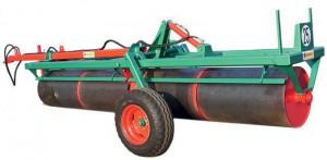 Rouleau avec transport en long hydraulique